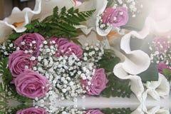 淡紫色玫瑰美丽的花束  免版税库存图片