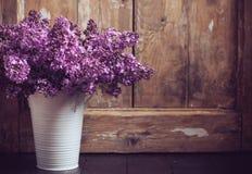 淡紫色花葡萄酒花束  免版税库存照片