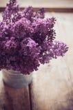 淡紫色花葡萄酒花束  免版税库存图片