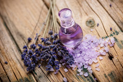 淡紫色香水 图库摄影