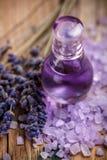 淡紫色香水 库存图片