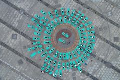 淮安市,江苏:两天夏至瑜伽和一天由瑜伽恋人的崇拜主张健康生活 图库摄影
