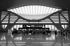 深圳国际机场离开大厅 免版税库存图片