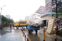 深圳,中国:垃圾中转站 免版税图库摄影