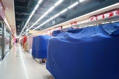 深圳,中国:除夕,及早被关闭的商店 免版税库存照片