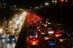深圳,中国:107国民路的交通风景在晚上 库存图片