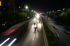 深圳,瓷:107国民路夜风景 免版税库存图片