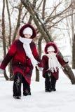 深女孩去雪 免版税图库摄影