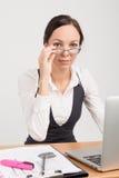 深色的企业夫人上司 免版税库存图片