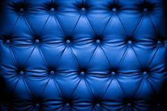 深蓝皮革纹理背景 免版税库存图片