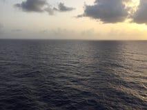 深蓝色大西洋 免版税库存图片