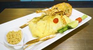 混乱油煎的泰国样式小米线 免版税图库摄影