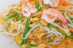 混乱油煎的米线是普遍的食物在泰国 库存照片