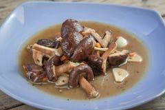 混乱油煎的蘑菇 图库摄影