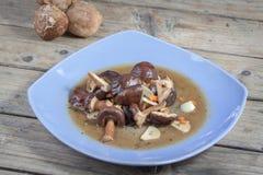 混乱油煎的蘑菇 免版税库存图片
