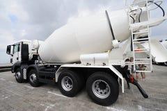 混凝土搅拌机卡车 图库摄影