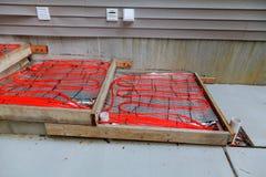 混凝土的室外在建筑物内装设的取暖用电热器 库存图片