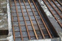 混凝土结构的模子在工厂 免版税图库摄影