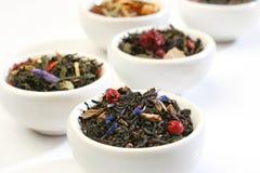 混合滚保龄球叶子多种premiun茶 库存照片