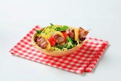 混合猪肉沙拉串春天 库存照片