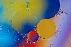 混合的水和油backgroud 库存照片