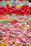 混杂的五颜六色的糖果果子关闭 免版税库存图片