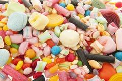 混杂的五颜六色的糖果 免版税图库摄影