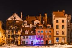 混杂的大小中世纪大厦(里加,拉脱维亚) 免版税库存图片
