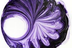 混杂的油漆的背景纹理白色和紫罗兰色为放置样式的修理 免版税库存图片