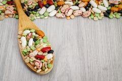混杂的豆类和谷物 图库摄影