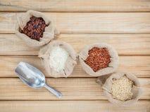混杂的整个健康的五谷传统泰国米最佳的米 库存照片