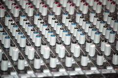 混音器控制台在录音室 图库摄影