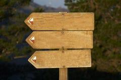 添加您广告牌空白文本的木头 免版税库存照片