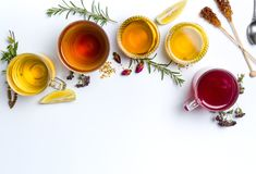 清凉茶在白色背景的汇集玻璃 免版税图库摄影