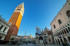 清早在圣Marco广场,威尼斯,意大利 库存照片