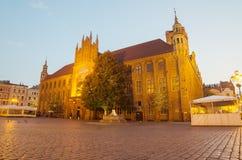 清早在托伦,波兰老镇  免版税库存照片