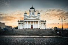 清早日出的赫尔辛基大教堂 免版税图库摄影