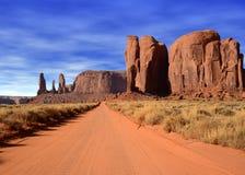 清早纪念碑谷亚利桑那美国纳瓦霍族保留地 免版税库存图片
