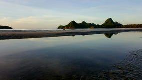 清早,在海的日出 库存图片