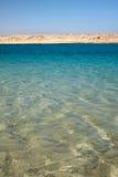 清楚的冷静埃及红海水 免版税库存图片