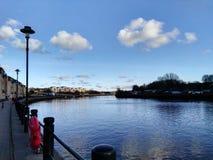 清楚的天空在英国泰恩河 免版税库存图片