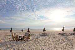 清楚的安静的海滩 免版税库存图片