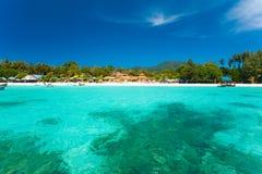 清楚的水晶海岛天堂手段海运 库存图片