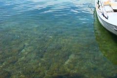 清楚的海水 免版税库存照片