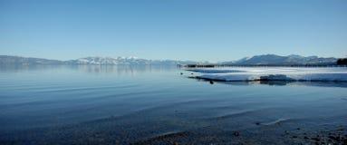 清楚的湖 库存图片