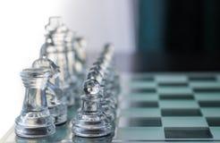 清楚的玻璃国际象棋棋局 库存图片