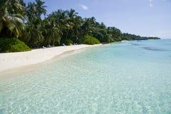 清楚的马尔代夫透明水 免版税库存图片