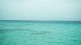 清楚的水色海洋 库存照片