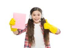 清洁物品 反变态反应原清洁产品 让音乐移动您 女孩耳机和手套清洗 ? 免版税库存图片