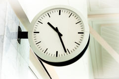 清洗时钟白色 库存照片